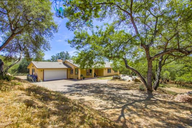 19041 Paradise Mountain Rd, Valley Center, CA 92082 (#180041861) :: Keller Williams - Triolo Realty Group