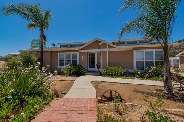 9689 Chocolate Summit Drive, El Cajon, CA 92021 (#180043698) :: Beachside Realty