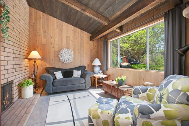 15320 Via Molinero, Poway, CA 92064 (#180044056) :: Neuman & Neuman Real Estate Inc.