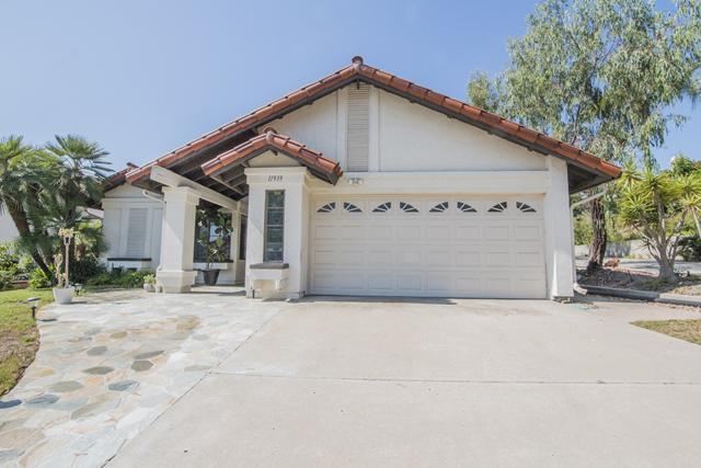 11939 Calle Suntuoso, San Diego, CA 92128 (#180044286) :: Whissel Realty