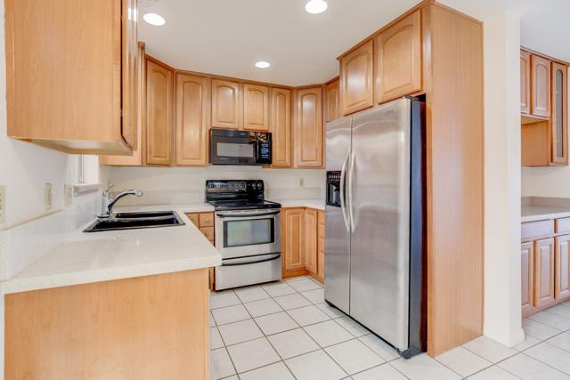 8445 Graves Ave #16, Santee, CA 92071 (#180044427) :: Whissel Realty