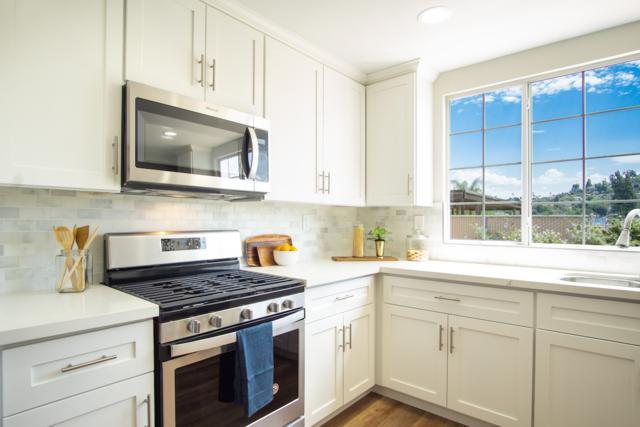 7653 Seneca Pl, La Mesa, CA 91942 (#180044492) :: Neuman & Neuman Real Estate Inc.