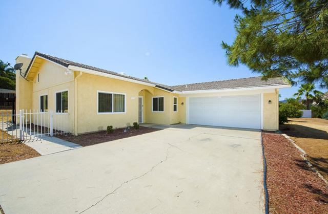 25511 Pappas Rd, Ramona, CA 92065 (#180044594) :: The Yarbrough Group