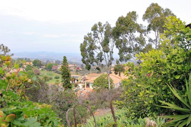 2208 Camino Cantera, Vista, CA 92084 (#180044753) :: Keller Williams - Triolo Realty Group