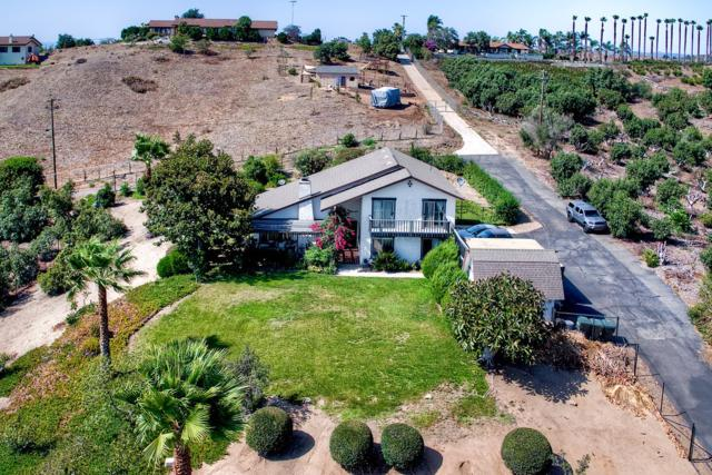31561 Cottontail Ln, Bonsall, CA 92003 (#180045066) :: The Yarbrough Group