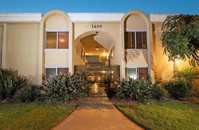 1450 Iris #11, Imperial Beach, CA 91932 (#180045147) :: The Yarbrough Group