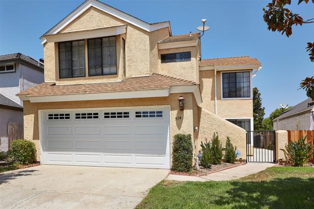 914 Sendero Ave, Escondido, CA 92026 (#180045825) :: The Yarbrough Group