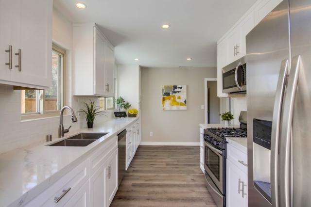 202 E Oneida St, Chula Vista, CA 91911 (#180046305) :: Keller Williams - Triolo Realty Group
