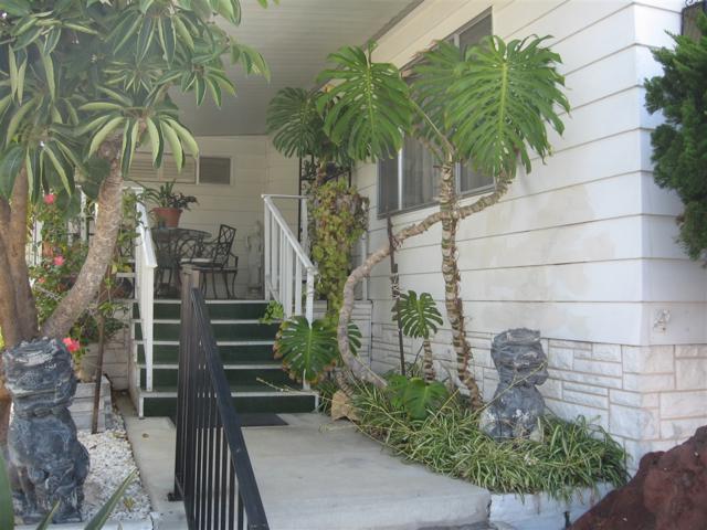 3535 Linda Vista Dr #126, San Marcos, CA 92078 (#180049215) :: Keller Williams - Triolo Realty Group