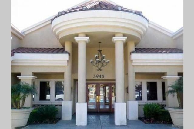 3925 Nobel Drive #22, San Diego, CA 92122 (#180050015) :: eXp Realty of California Inc.