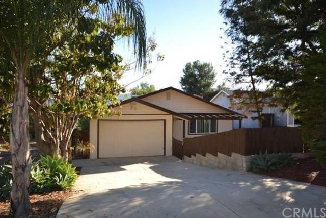 748 Mill Street, Lake Elsinore, CA 92530 (#180050666) :: Heller The Home Seller
