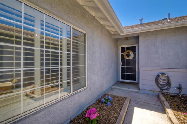 10156 Los Ranchitos Rd, Lakeside, CA 92040 (#180051770) :: Beachside Realty