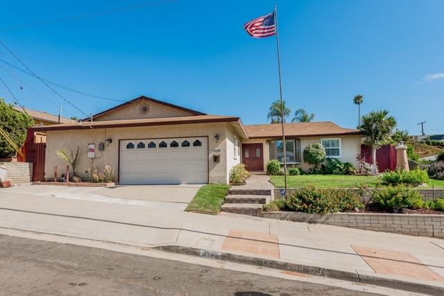 4789 Diane Ave, San Diego, CA 92117 (#180052683) :: KRC Realty Services