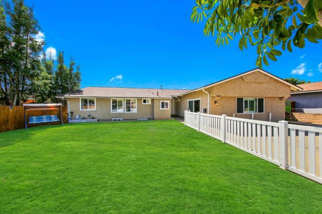 3822 Mount Acadia Blvd, San Diego, CA 92111 (#180052833) :: Heller The Home Seller