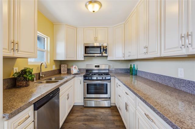 3776 Franklin Ave, San Diego, CA 92113 (#180054219) :: Heller The Home Seller