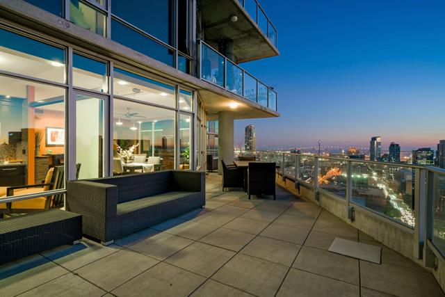 1080 Park Blvd #1701, San Diego, CA 92101 (#180055086) :: The Yarbrough Group