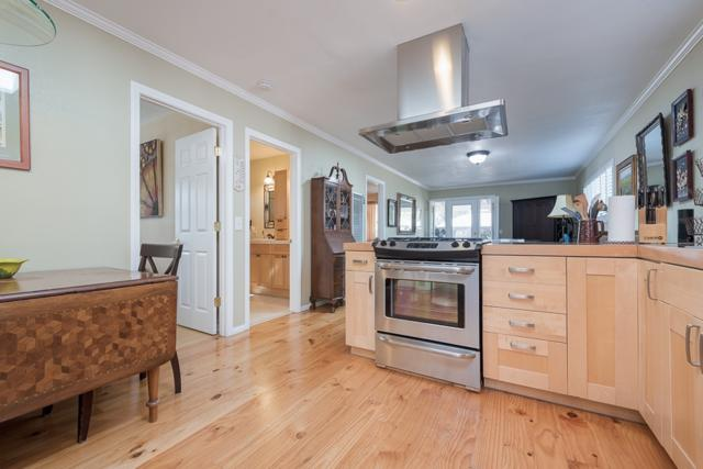 917 E 28Th St, National City, CA 91950 (#180056442) :: The Yarbrough Group