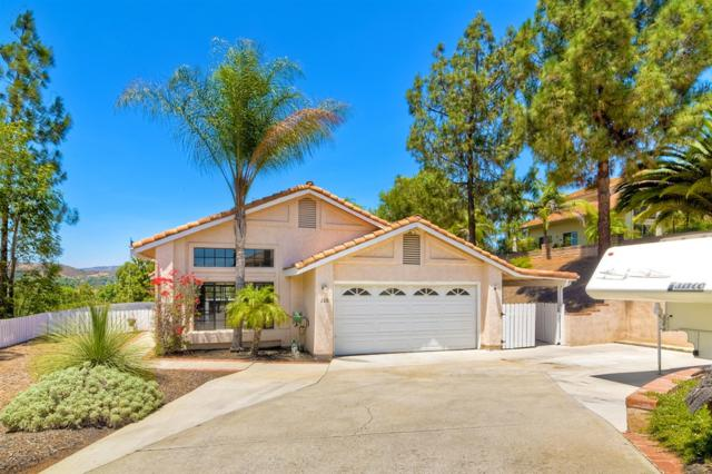 126 Neptune Place, Escondido, CA 92026 (#180057154) :: The Yarbrough Group