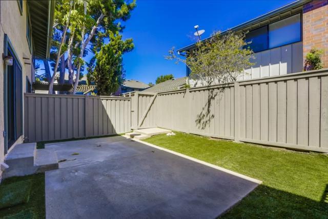 3376 Caminito Vasto, La Jolla, CA 92037 (#180057187) :: Neuman & Neuman Real Estate Inc.