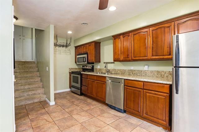 5760 Riley St #4, San Diego, CA 92110 (#180057272) :: The Yarbrough Group