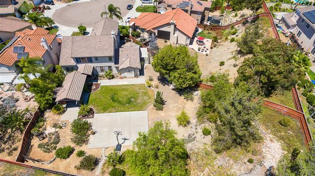 423 Landmark Ct, San Marcos, CA 92069 (#180061323) :: The Yarbrough Group