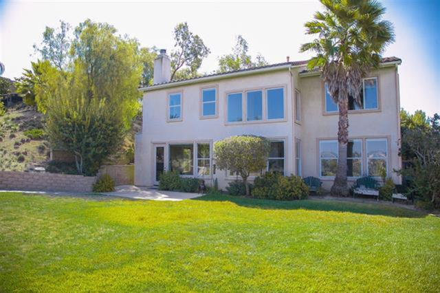 2522 Clearcrest Lane, Fallbrook, CA 92028 (#180062562) :: Farland Realty