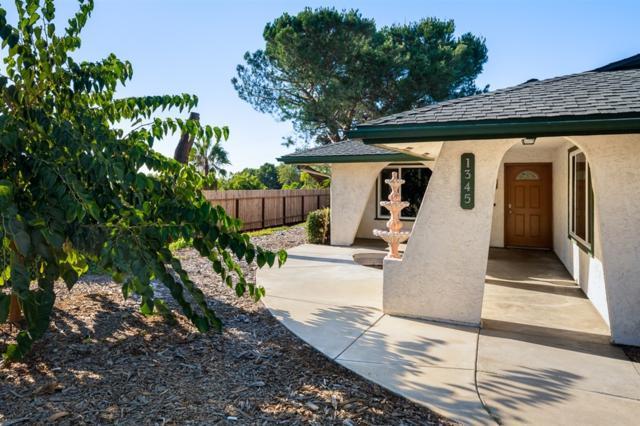1345 Leland Way, Escondido, CA 92026 (#180063006) :: Neuman & Neuman Real Estate Inc.