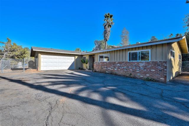 1769 Vale Terrace Drive, Vista, CA 92084 (#180063148) :: Neuman & Neuman Real Estate Inc.