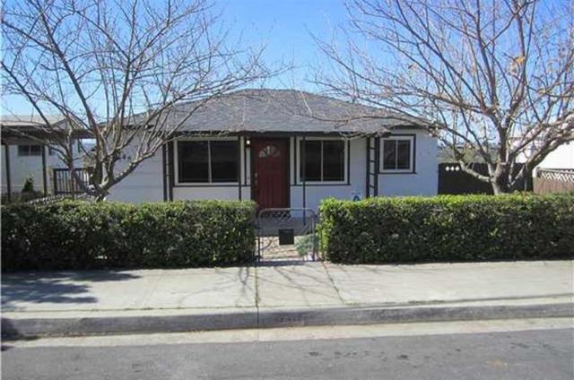 2246 W Jewett St, San Diego, CA 92111 (#180063563) :: Jacobo Realty Group
