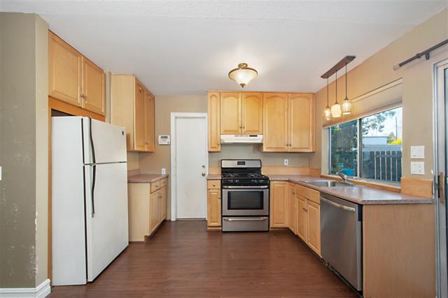 3437 Seabreeze Walk, Oceanside, CA 92056 (#180063936) :: Steele Canyon Realty