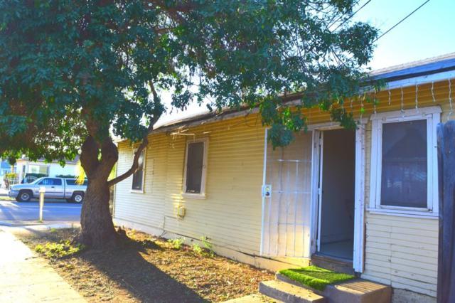 702 Holly, Oceanside, CA 92058 (#180063998) :: Neuman & Neuman Real Estate Inc.