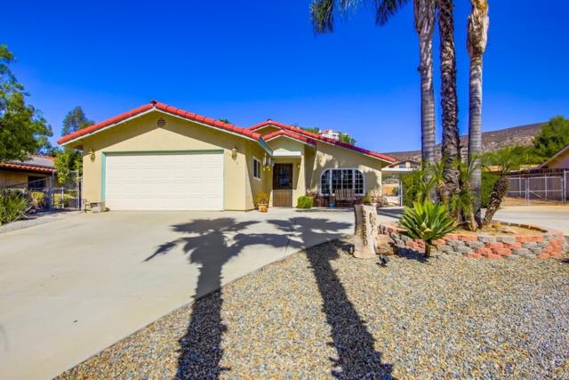 24350 Del Amo Rd, Ramona, CA 92065 (#180064503) :: The Yarbrough Group