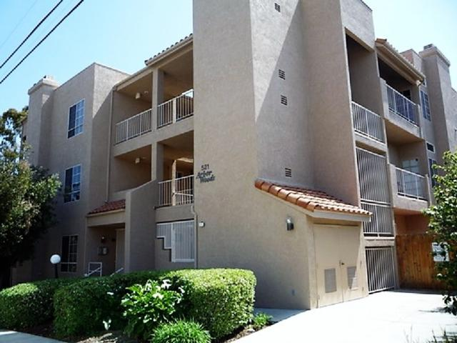 521 Arbor Dr #202, San Diego, CA 92103 (#180065513) :: Whissel Realty