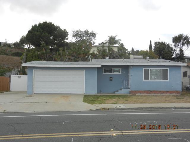 2474 Calle Tres Lomas, San Diego, CA 92139 (#180066025) :: Farland Realty