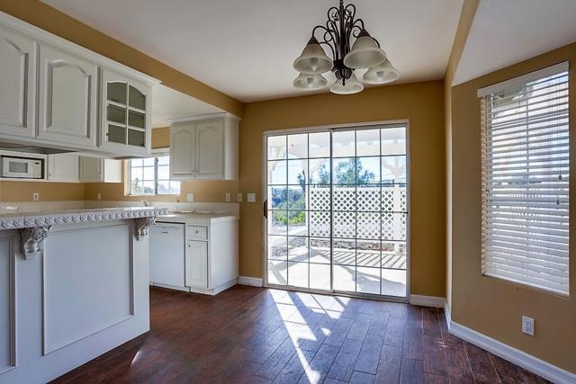 1635 Via Vista, Fallbrook, CA 92028 (#180066807) :: Keller Williams - Triolo Realty Group