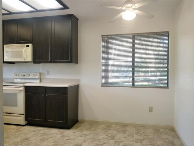 986 Lupine Hills #88, Vista, CA 92081 (#190001044) :: Steele Canyon Realty