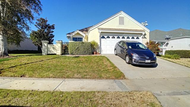 930 Sendero Ave, Escondido, CA 92026 (#190001949) :: KRC Realty Services