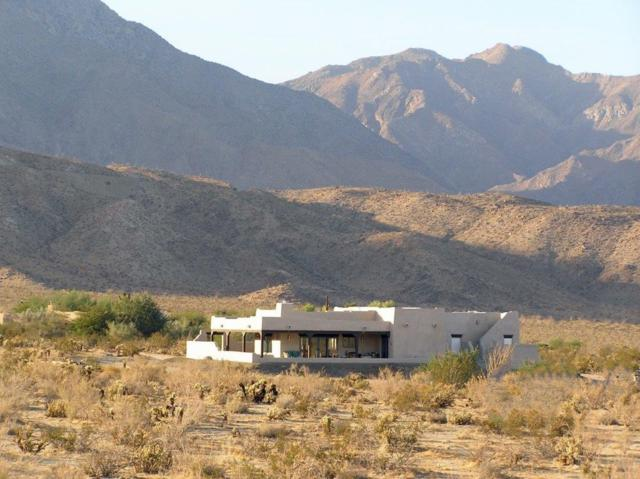 3371 Wagon Road, Borrego Springs, CA 92004 (#190002673) :: Whissel Realty
