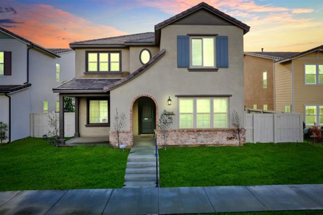 21868 Deer Grass Dr, Escondido, CA 92029 (#190002713) :: Neuman & Neuman Real Estate Inc.