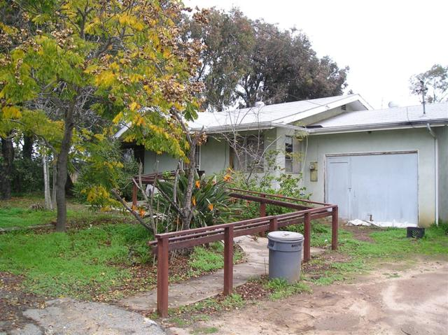247 W Kalmia St, Fallbrook, CA 92028 (#190003080) :: PacifiCal Realty Group