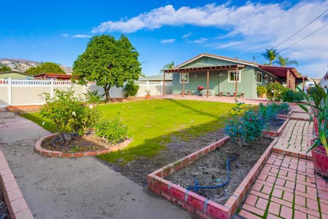 738 Paraiso Ave, Spring Valley, CA 91977 (#190003416) :: Pugh | Tomasi & Associates