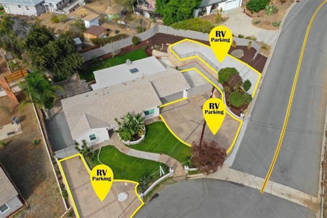 9259 Carthay Cir, Spring Valley, CA 91977 (#190003595) :: Neuman & Neuman Real Estate Inc.