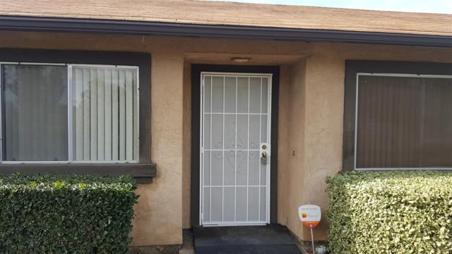 10392 Rochelle, Santee, CA 92071 (#190003893) :: Whissel Realty