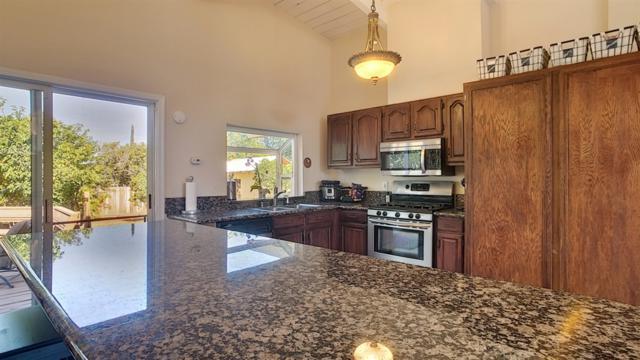 8238 Rockview Dr, El Cajon, CA 92021 (#190004357) :: Neuman & Neuman Real Estate Inc.