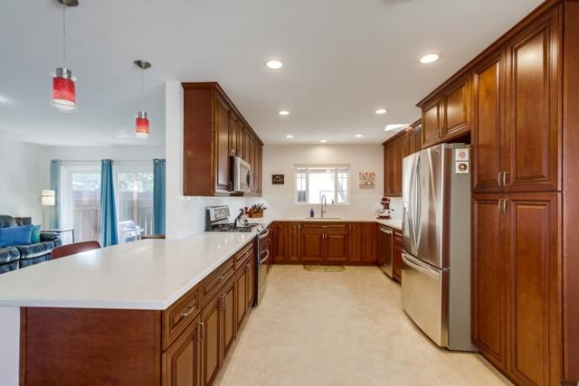 7745 Ropalt St, La Mesa, CA 91942 (#190006196) :: Neuman & Neuman Real Estate Inc.