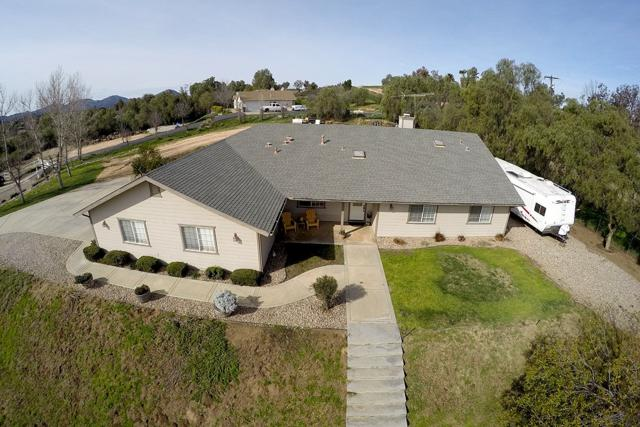 575 Dolores Ct, Ramona, CA 92065 (#190008588) :: Neuman & Neuman Real Estate Inc.