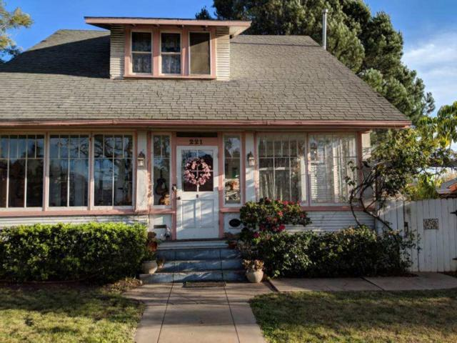 221 W 8th Ave, Escondido, CA 92025 (#190012069) :: Farland Realty