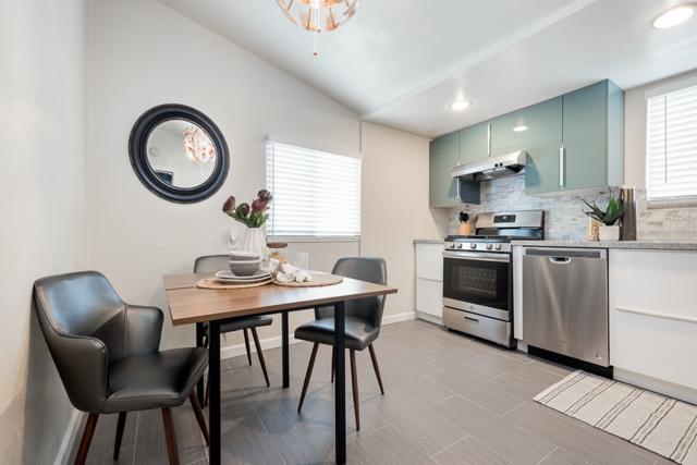 515 17th Street, San Diego, CA 92101 (#190012095) :: Neuman & Neuman Real Estate Inc.