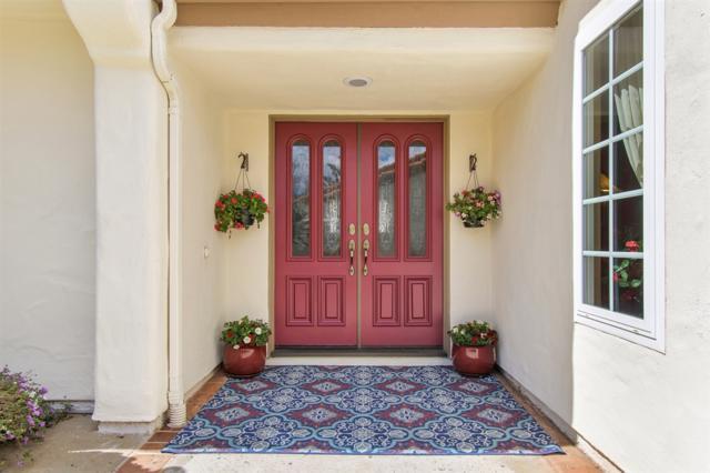 602 Gardenia Gln, Escondido, CA 92025 (#190013259) :: Cane Real Estate
