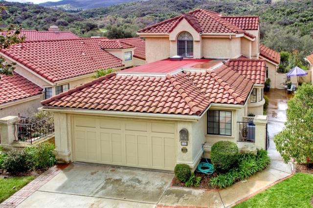2244 Vista Valley Lane, Vista, CA 92084 (#190013390) :: Farland Realty